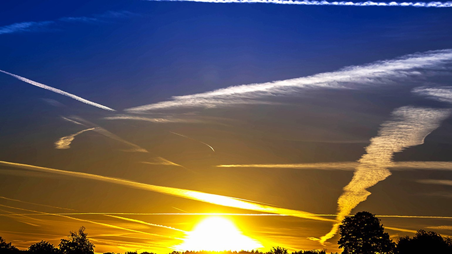 Carbon emissions down seven per cent in 2020 contrails