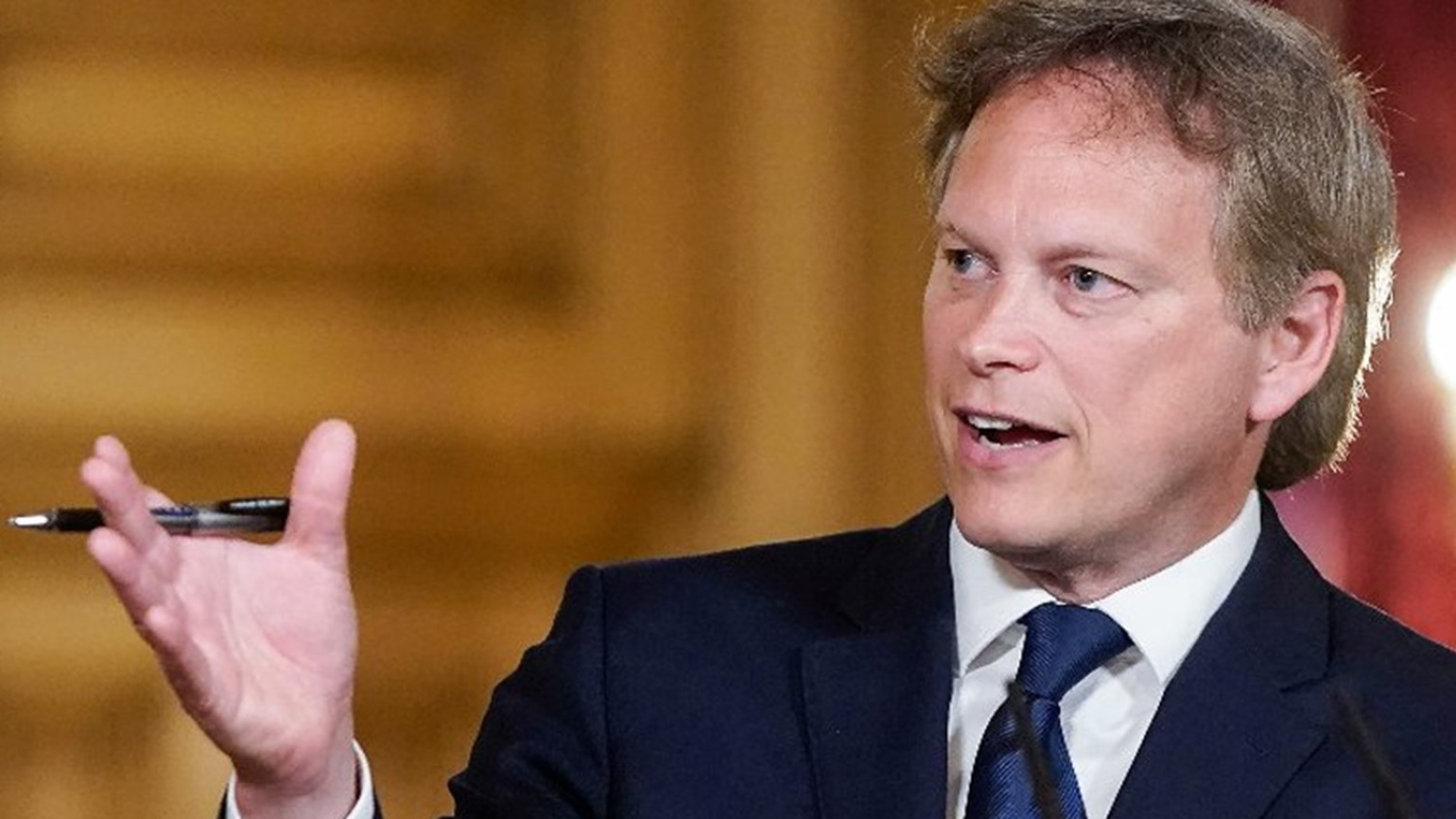England to shut travel corridors  shapps