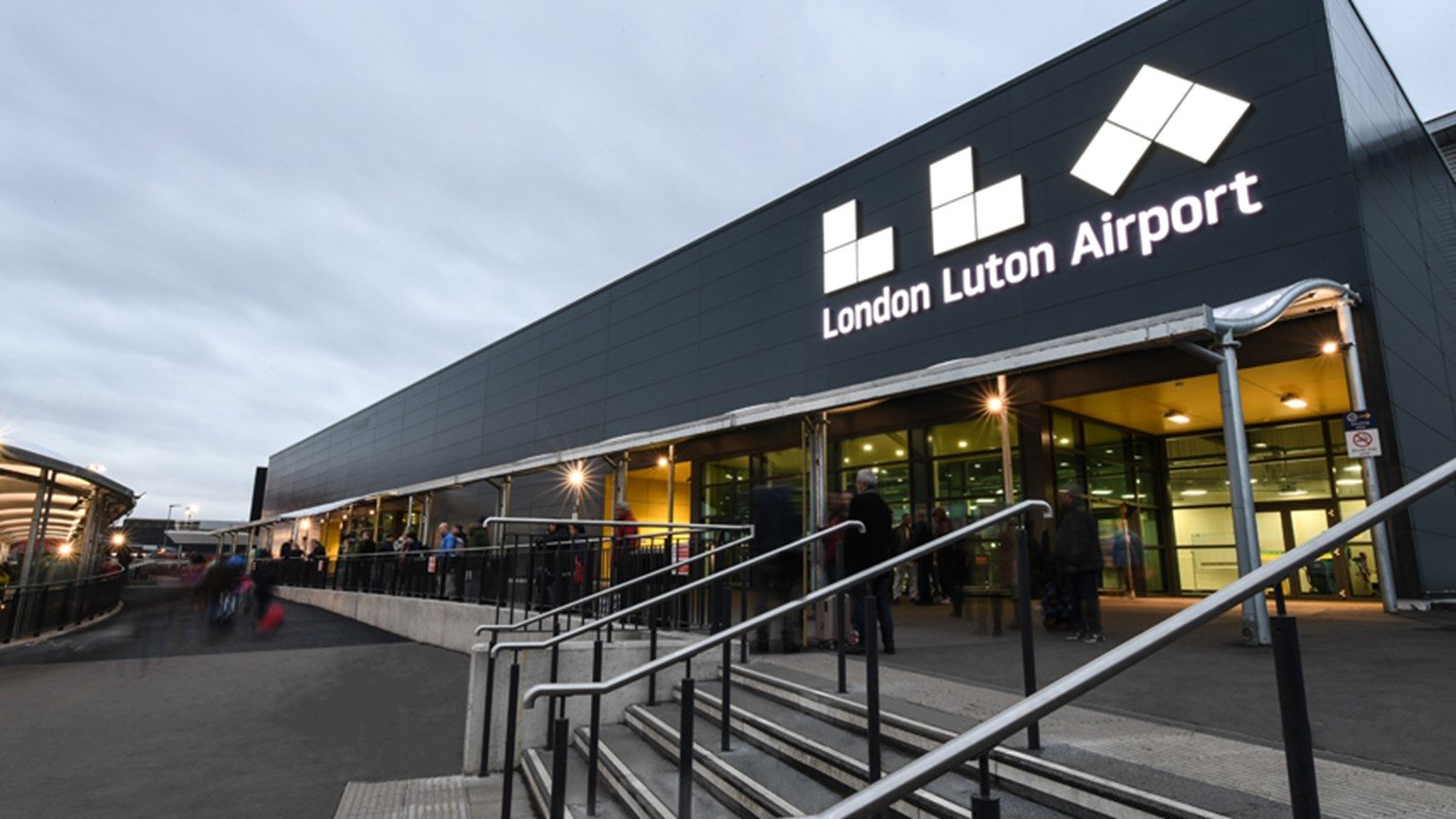 Luton airport entrance