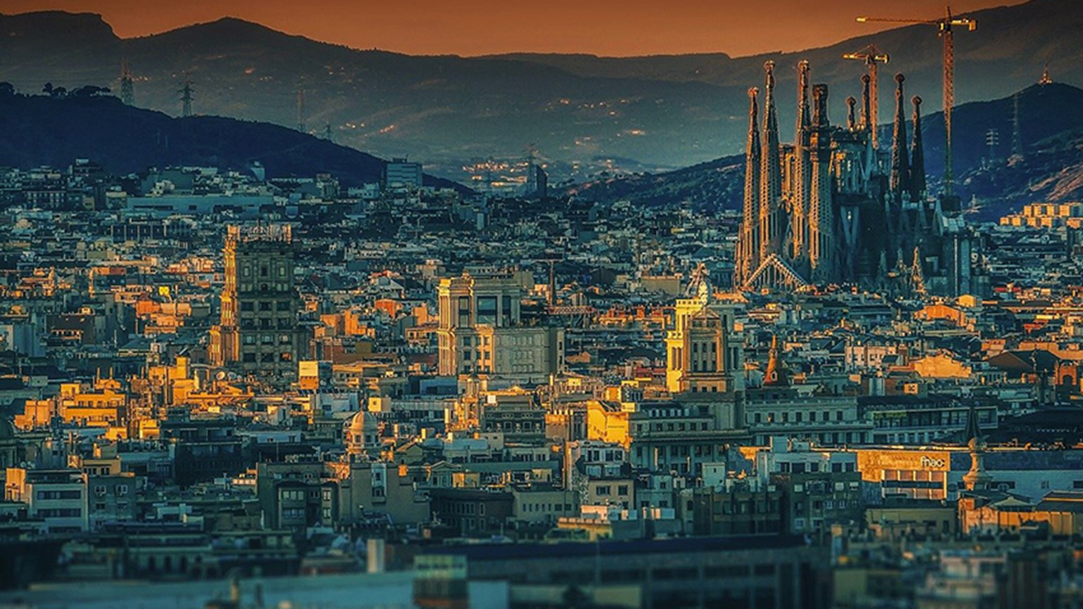 Barcelona skyline walkerssk