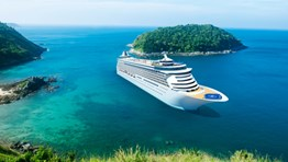 Holding business events and conferences on a cruise ship