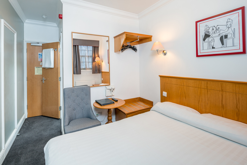 A double room in an OYO Townhouse in London's Victoria